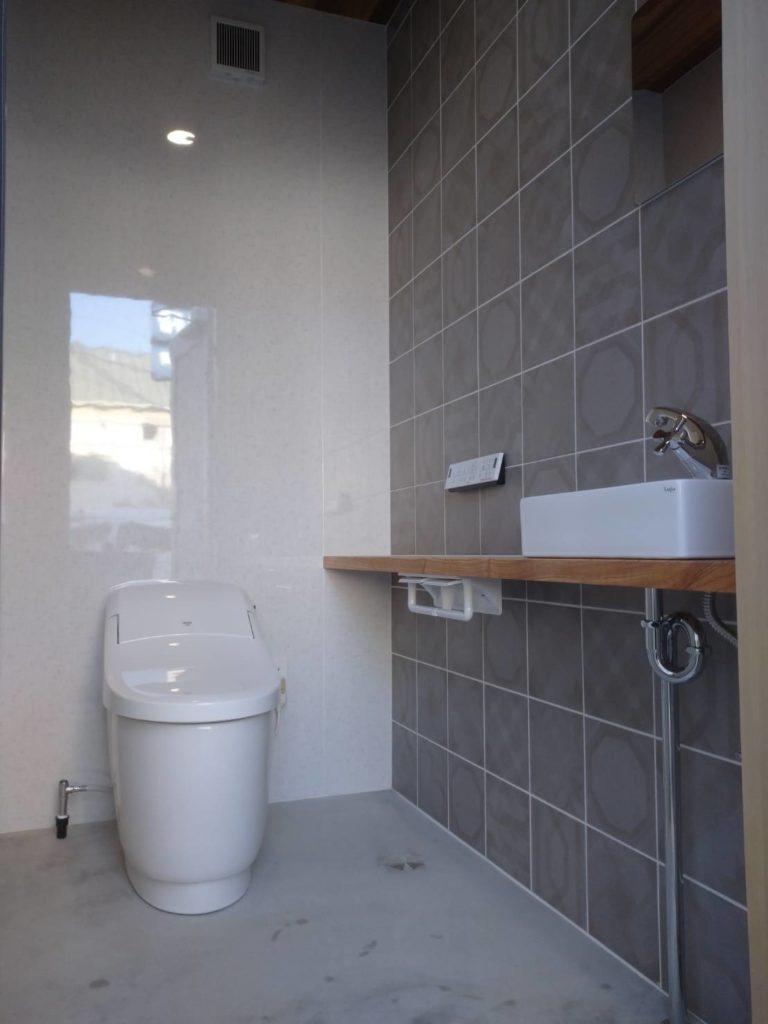 k様邸トイレ増築画像